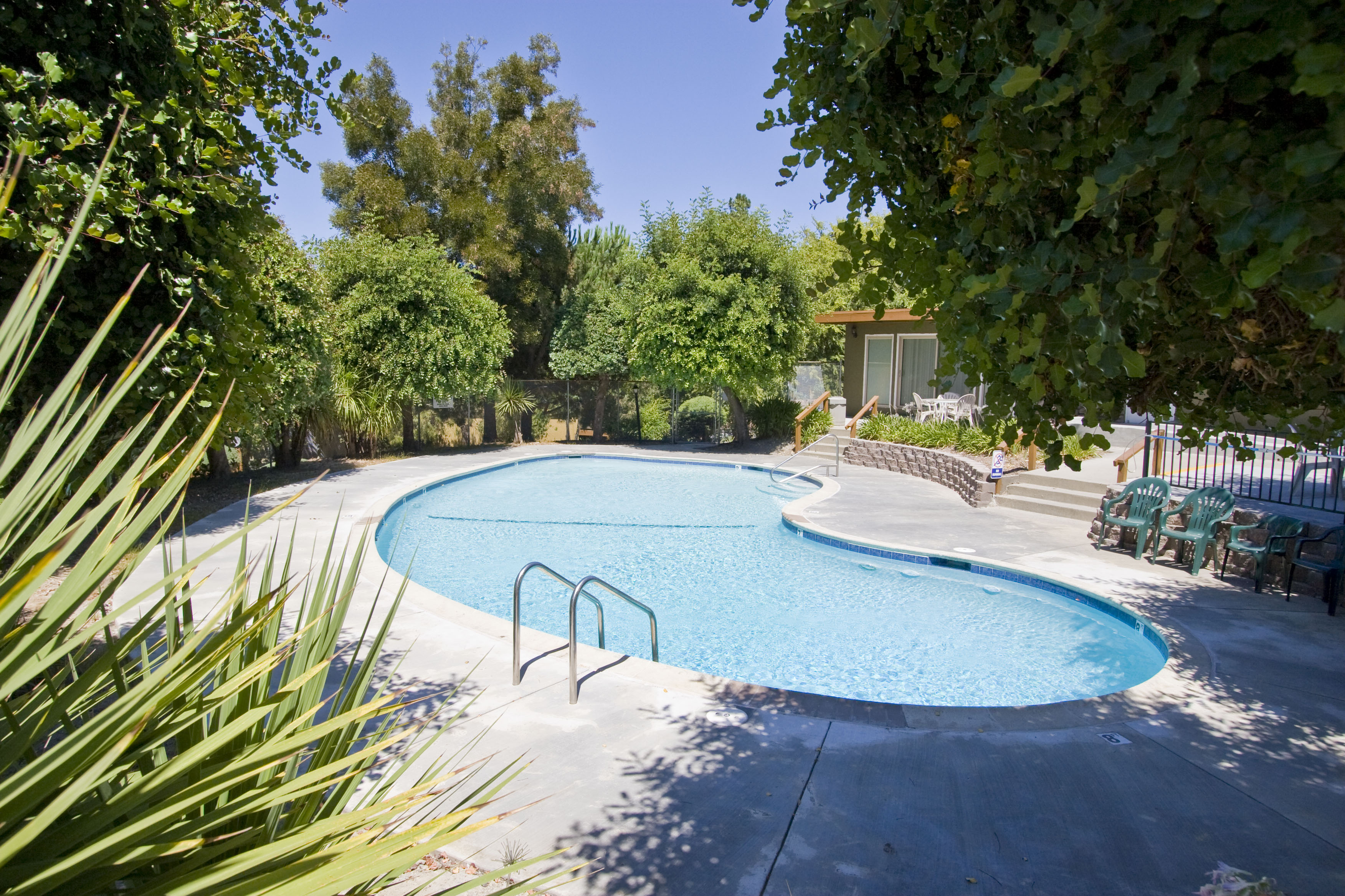 """Siena Pointe - Siena Pointe Apartments, affordable housing community located in the Hayward Hills, is a place where you will be able to say, """"my life just got better!""""  We strive to measure up to your highest standard"""